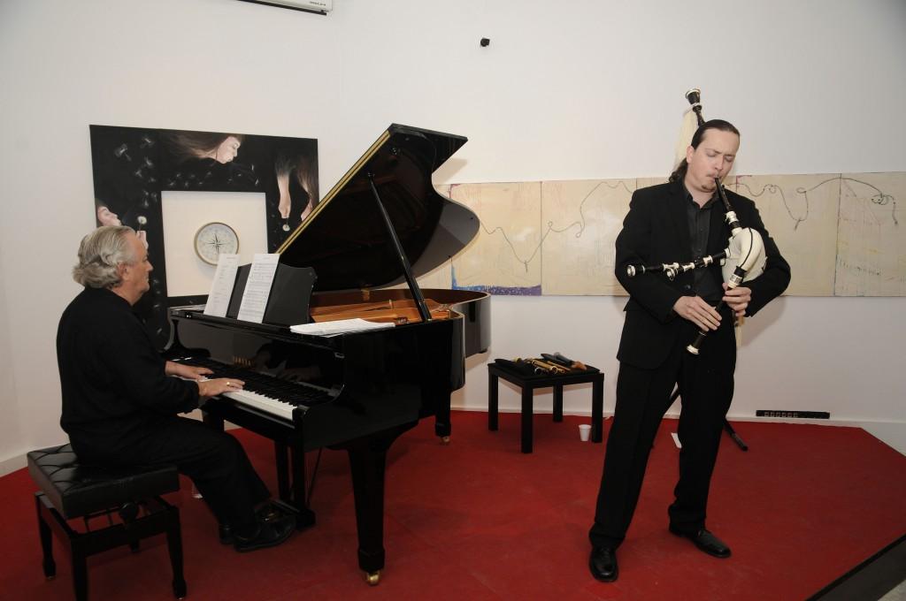 © 2012 Manuel Seixas (LalinPress)