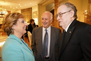 Pilar Falcón, Gumersindo Montes y Tony Carro