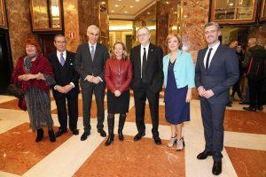 Vicepresidenta Calviño, Conselleiro Francisco Conde y Tony Carro con directivos del Club