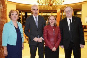 Pilar Falcón, Francisco Conde, Nadia Calviño y Tony Carro